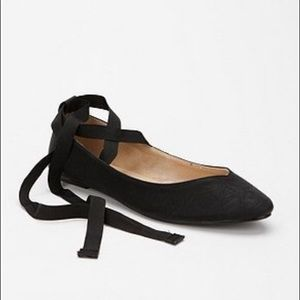 Kimchi Blue Sweetheart Ankle Tie Ballet Flats-Sz 8